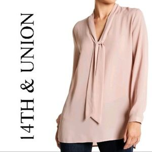 EUC 14th & Union Pale Pink Tie Neck l/s Blouse